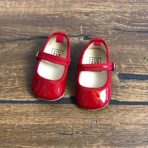 Baby Gap shiny red Mary Jane baby shoes